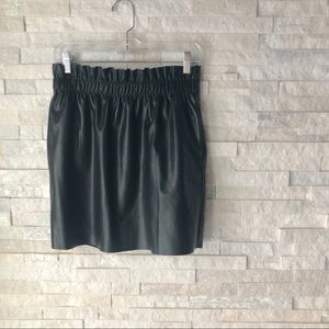 H&M | faux leather skirt w cinched waist + pockets